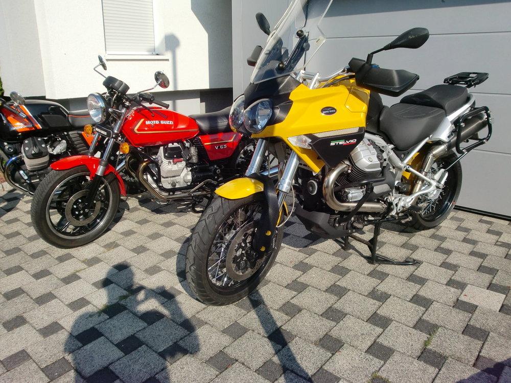 Stelvio und V65.JPG